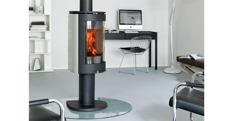Dråpeformen til Jøtul F 473 skaper en smekker varmekilde i rommet-resized