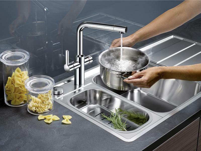 Vorsicht, heiß: Kochendes Wasser direkt aus dem Hahn versprechen die neuen Küchenarmaturen