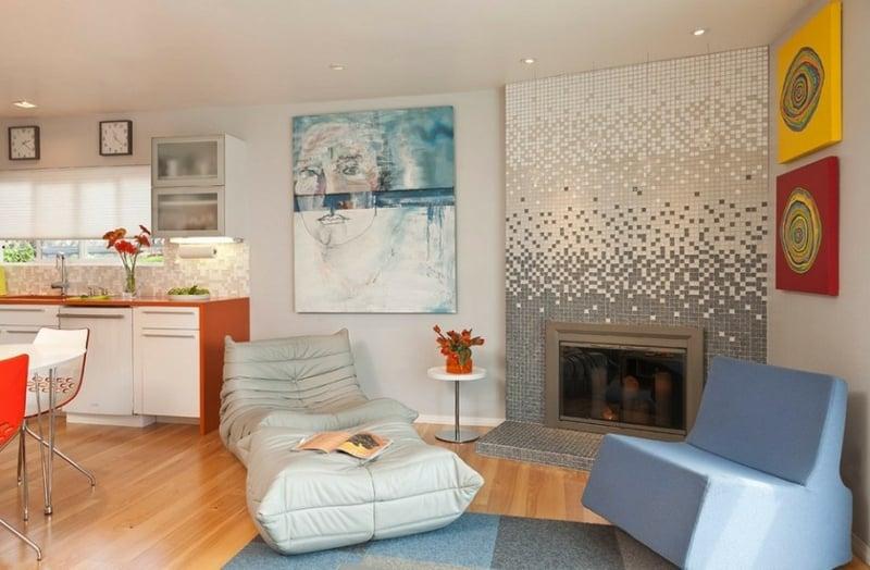 glasmosaik grau weiss im wohnzimmer
