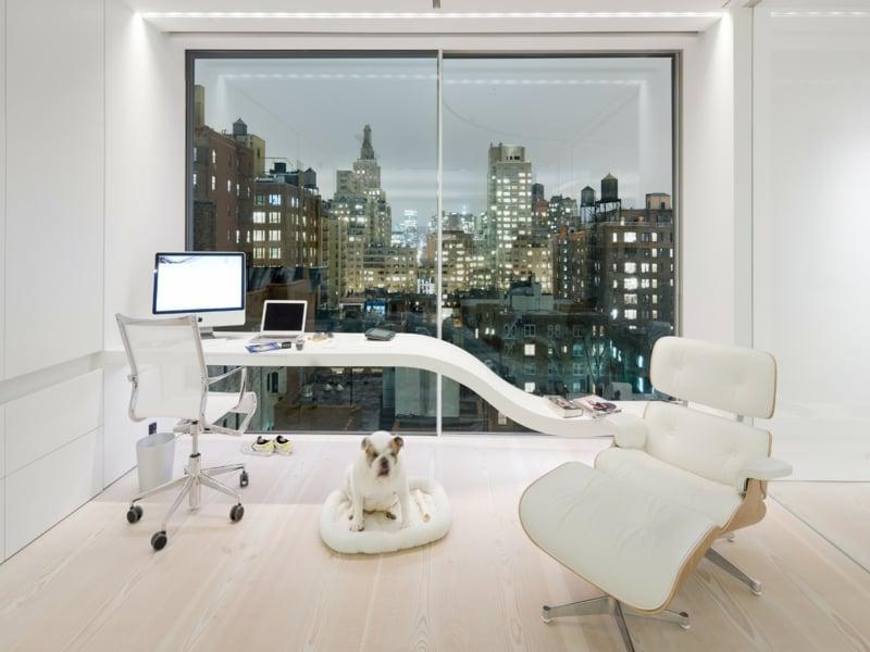 Raumgestaltung in weiß im Office
