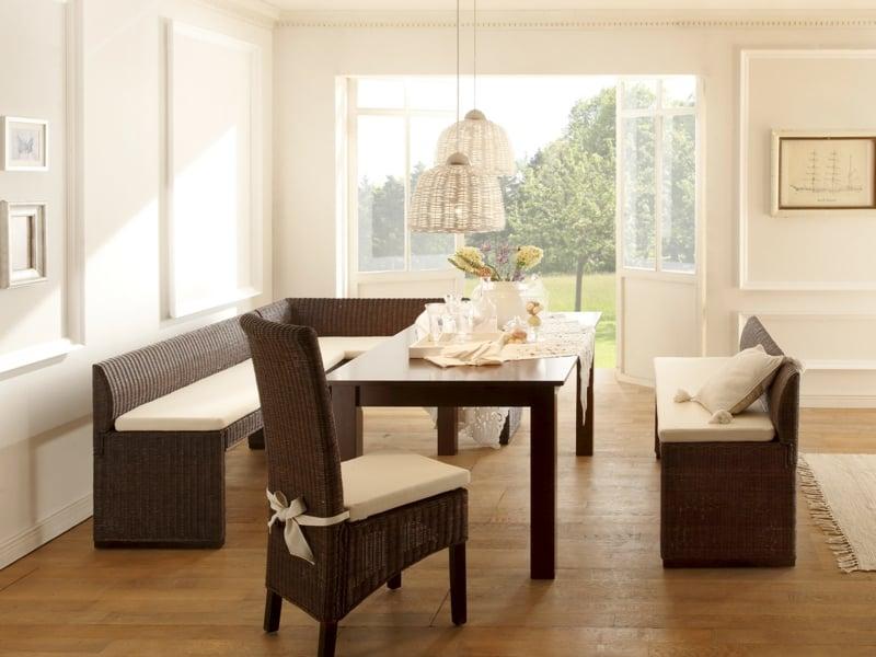 moderne Stühle nach Feng Shui in der Küchengestaltung