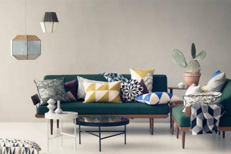dekorativa farbige Kissen Wohnzimmer