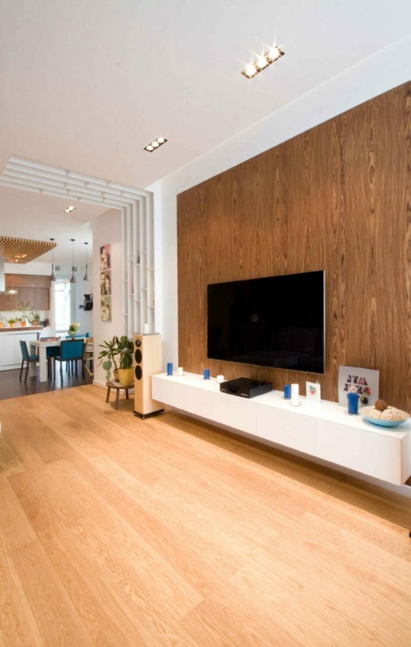 Wohnzimmer Boden und Wandverkleidung aus Holz