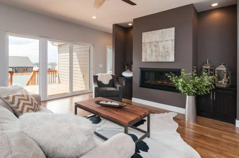 Wohnzimmergestaltung braune Wandfarbe