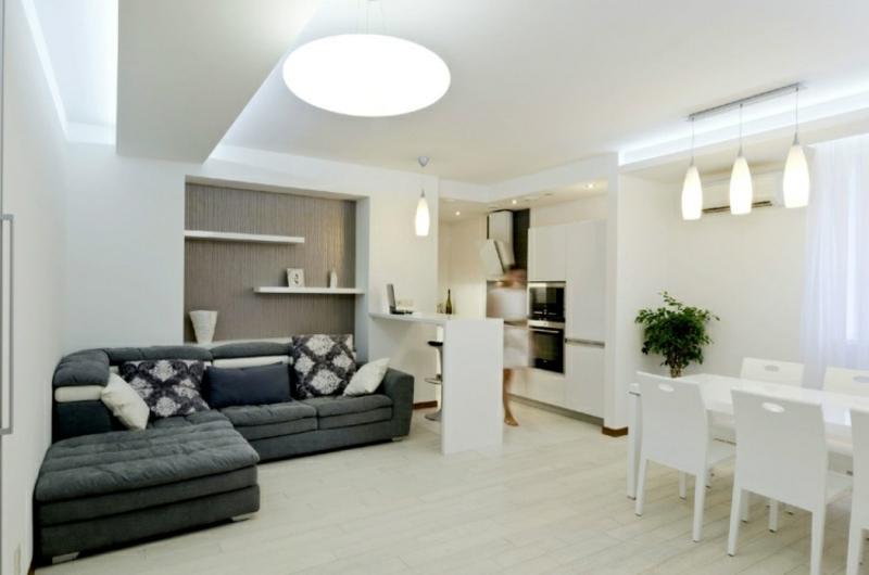 Wohnzimmer im Weiss und Grau