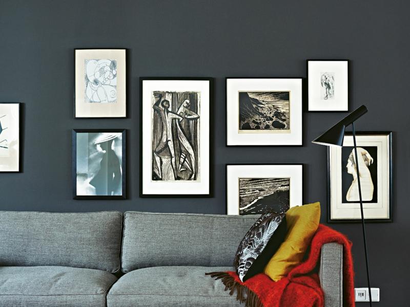 lassen sie bilder über dem sofa hängen