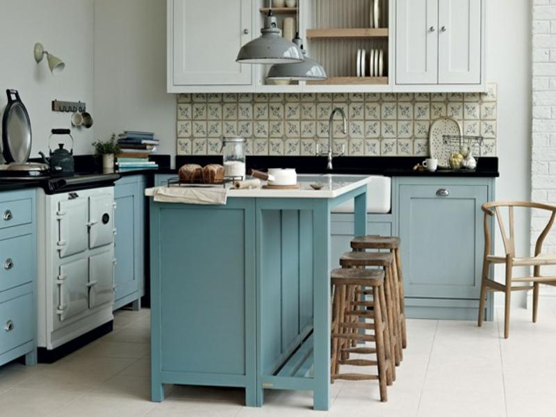 wohnideen für die blaue farbe in der provenceküche