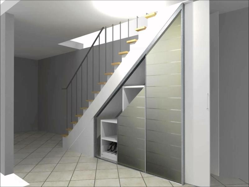 ein minimalistischer einbauschrank unter der treppe