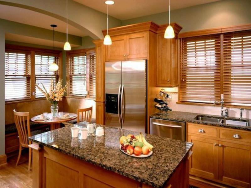 Holzjalousien in der Küche - Stil und Minimalismus