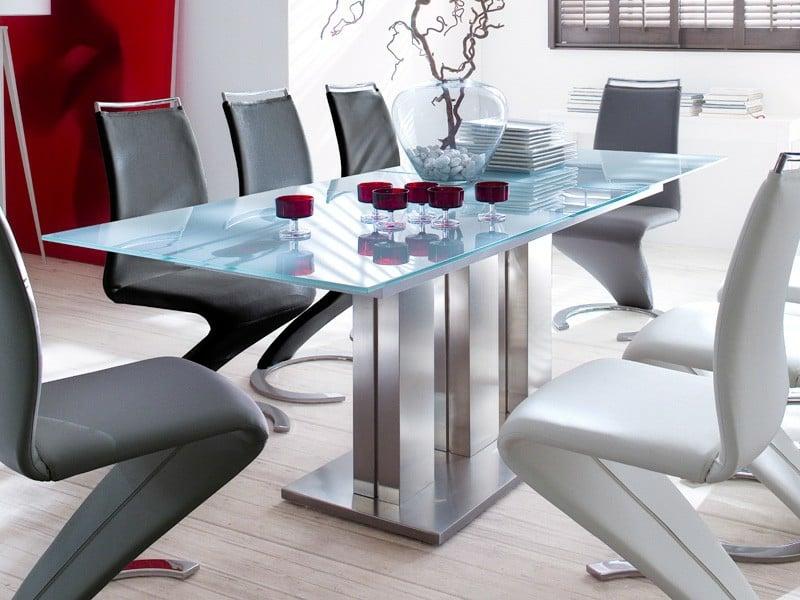 Extrem Extravaganter Küchentisch Mit Modernen Stühlen