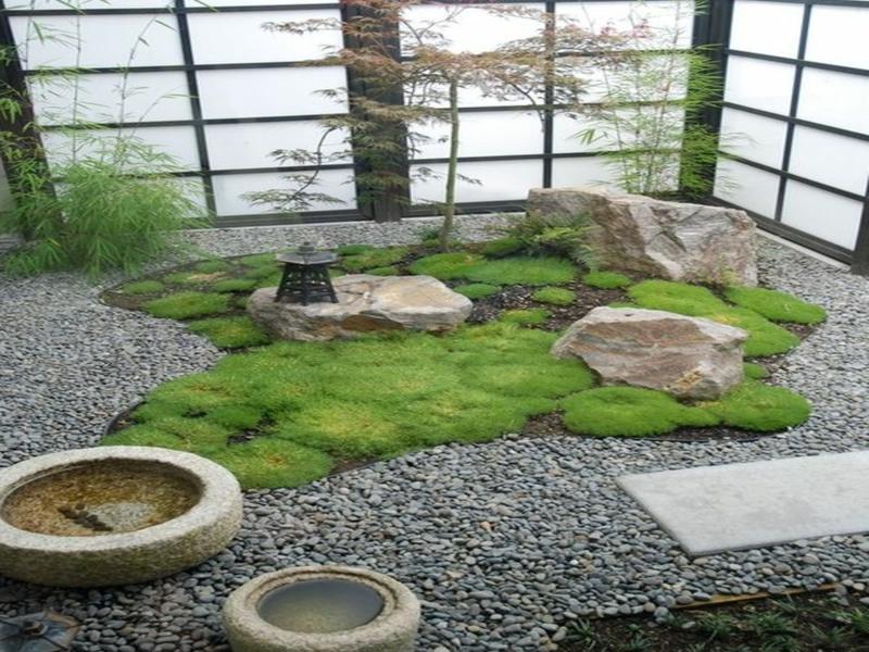 Organisierter japanischer Garten im Haus