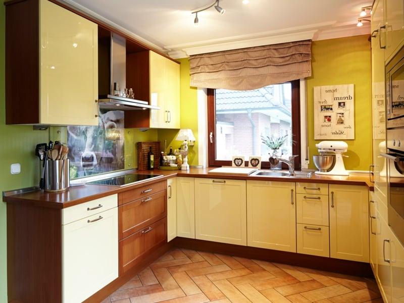gelbe farbe in der küche