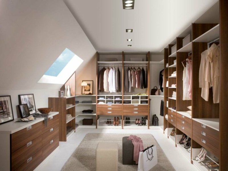 Ankleidezimmer dachschräge ideen  50 Ideen für praktische Ankleidezimmer - Garderoben & Flurmöbel ...