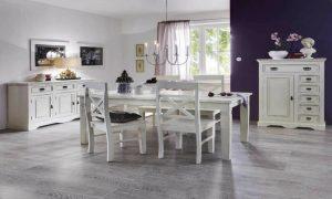 weißes Esszimmer und lilafarbe