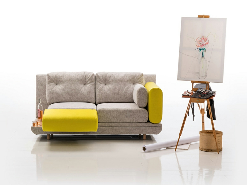 halbgelbes sofa