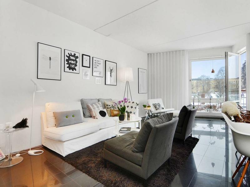 moderne-wandfarben-zwei-sofas-resized