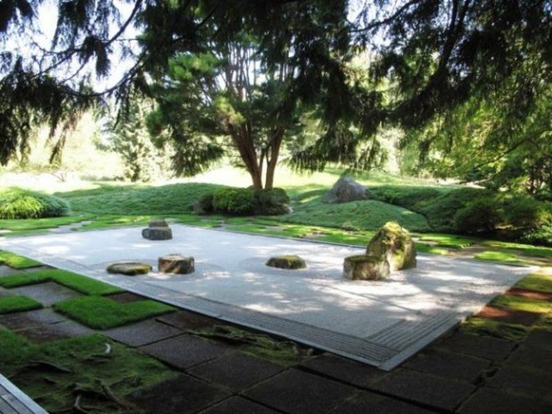 Neuer japanischer Stil im Garten