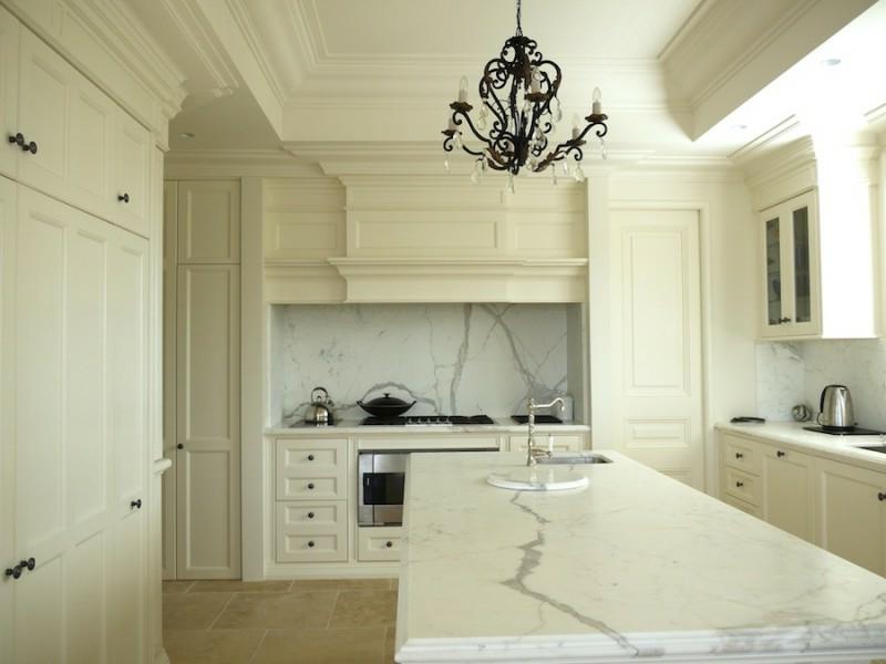 eine sehr helle provence küche