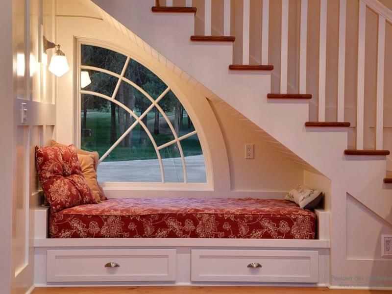 schlafzimmer under der treppe