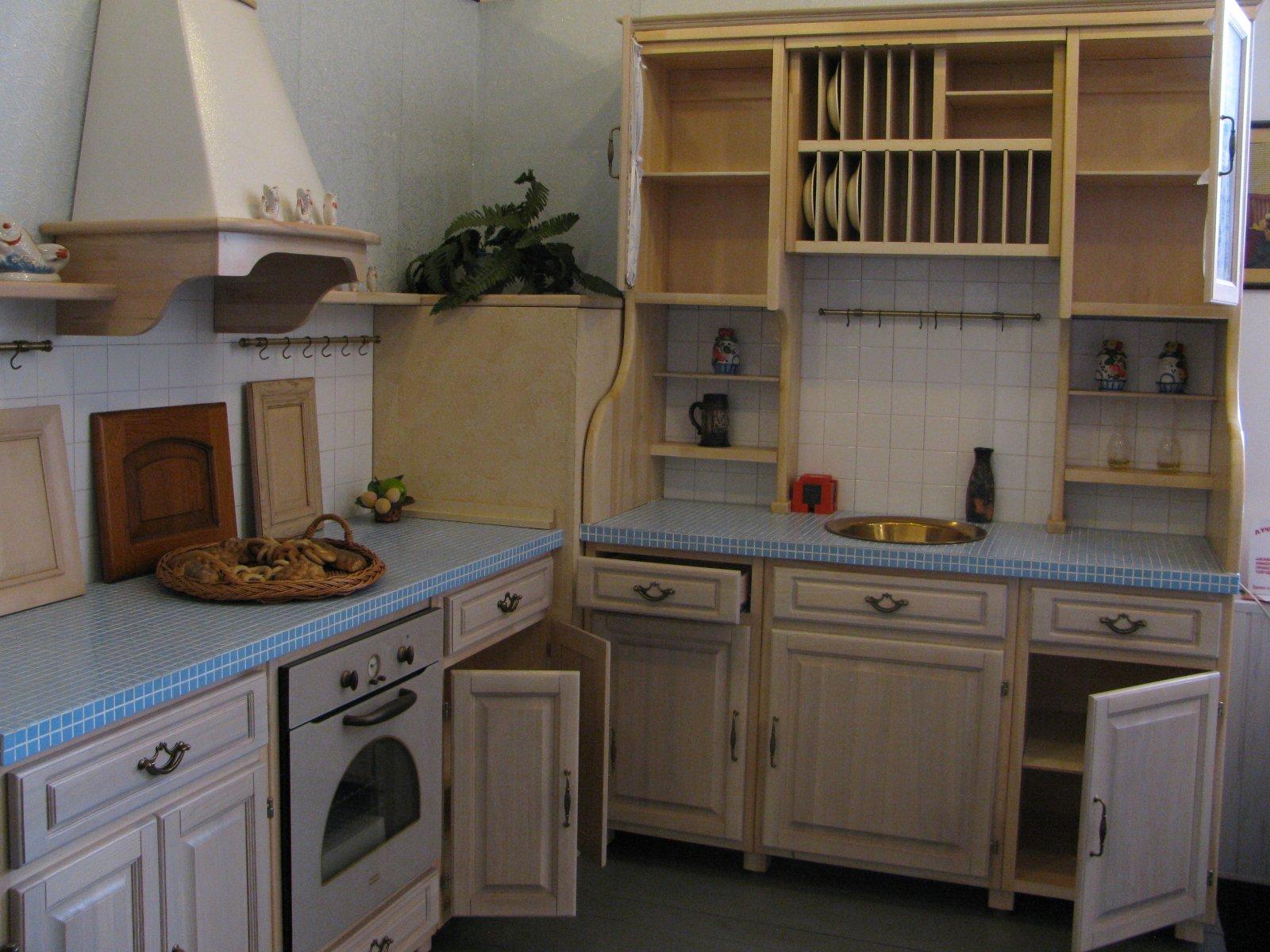 wohnideen für schränke in der provence küche