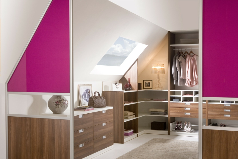 schrank dachschr ge praktische l sungen innendesign. Black Bedroom Furniture Sets. Home Design Ideas
