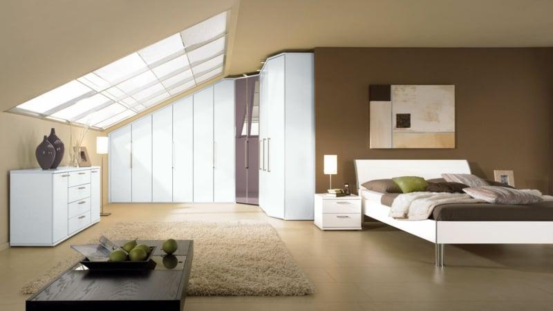 schrank dachschräge gemuetliche schlafzimmer
