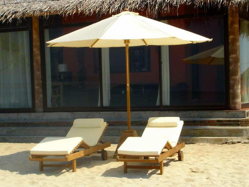 teakholzm bel sommerliche outdoor ideen m bel zenideen. Black Bedroom Furniture Sets. Home Design Ideas