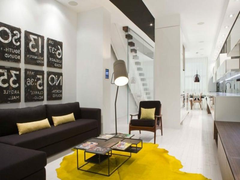 Gelbes Teppich Im Wohnzimmer