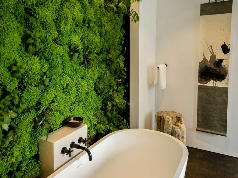 vertikaler garten badezimmer ideen pflanzen badewanne akzentwand