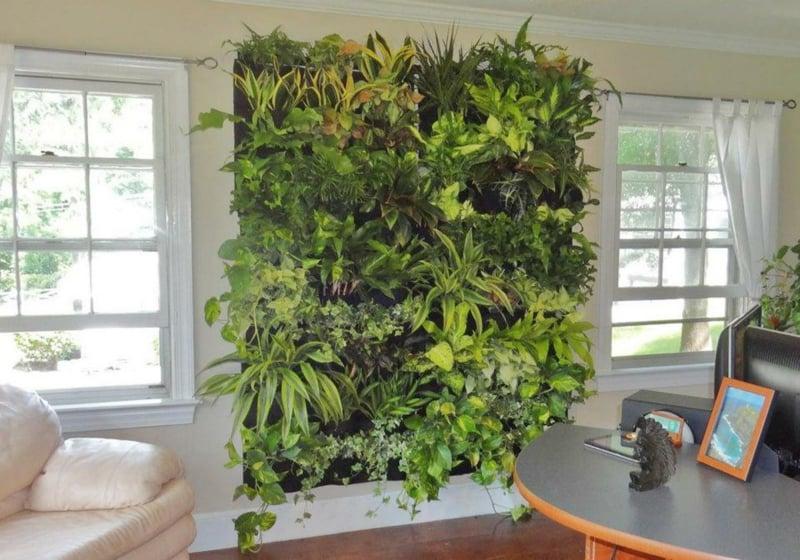 vertikaler-garten-wohnzimmerwand-grün