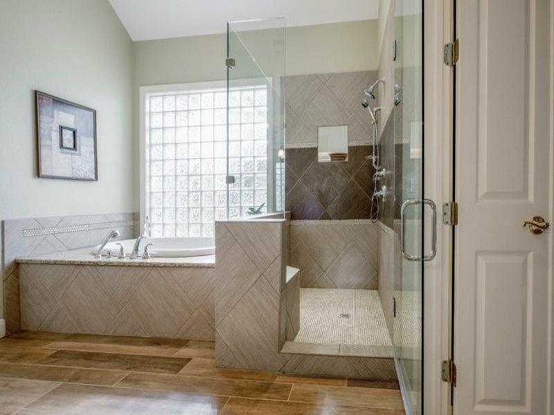 schöne und coole badezimmergestaltung mit glas