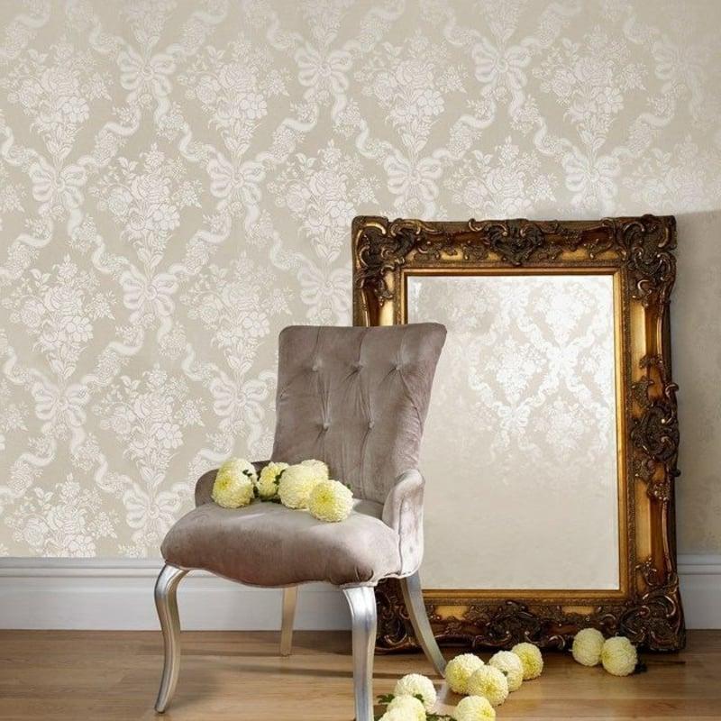 silberne Tapete im Barock Stil
