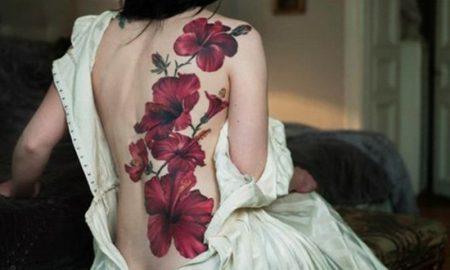 Blumen-Tattoos hibiscus-tattoo-on-back