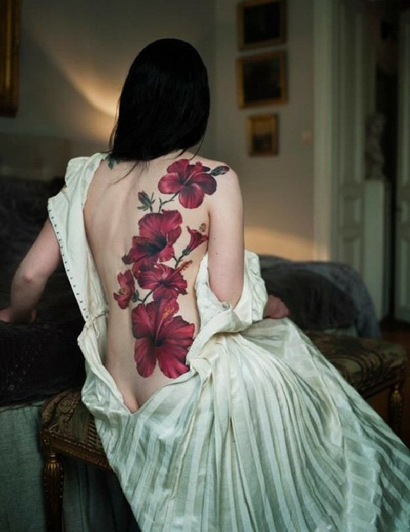 Blumen-Tattoos hibiscus-tattoo-on-back