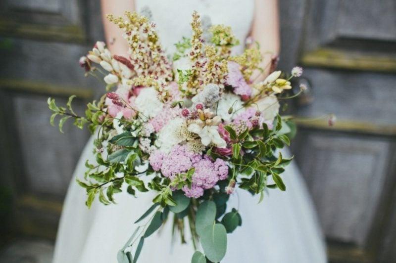 Hochzeitsstrauß wilde Blumen