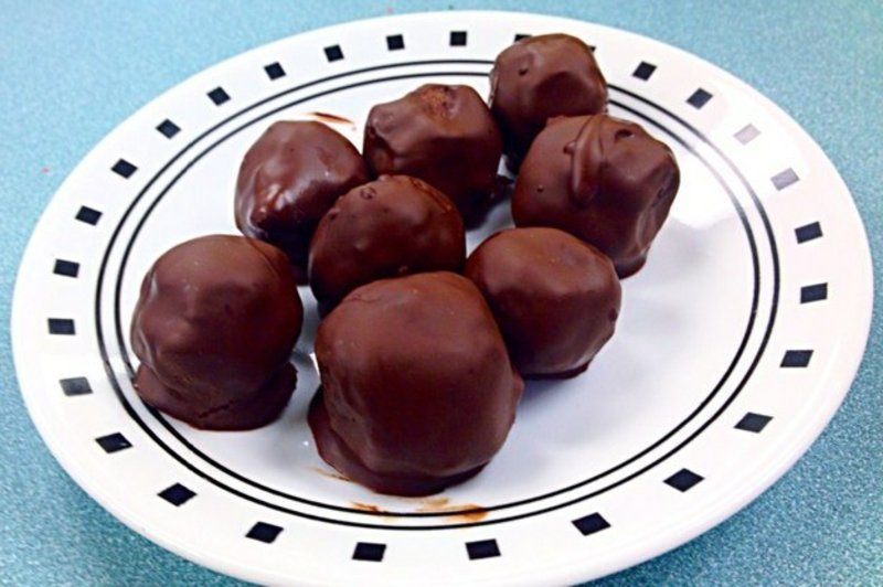 Flourless Chocolate-Dipped Cookie Dough Bites