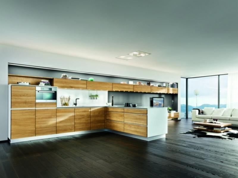 moderne kücheninsel mitholzelementen