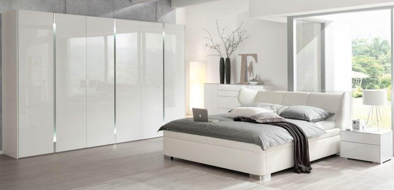 Feng Shui Schlafzimmer im Weiss