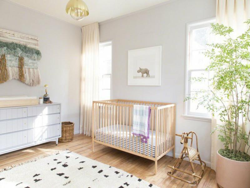 designer weiße farbgestaltung im kinderzimmer