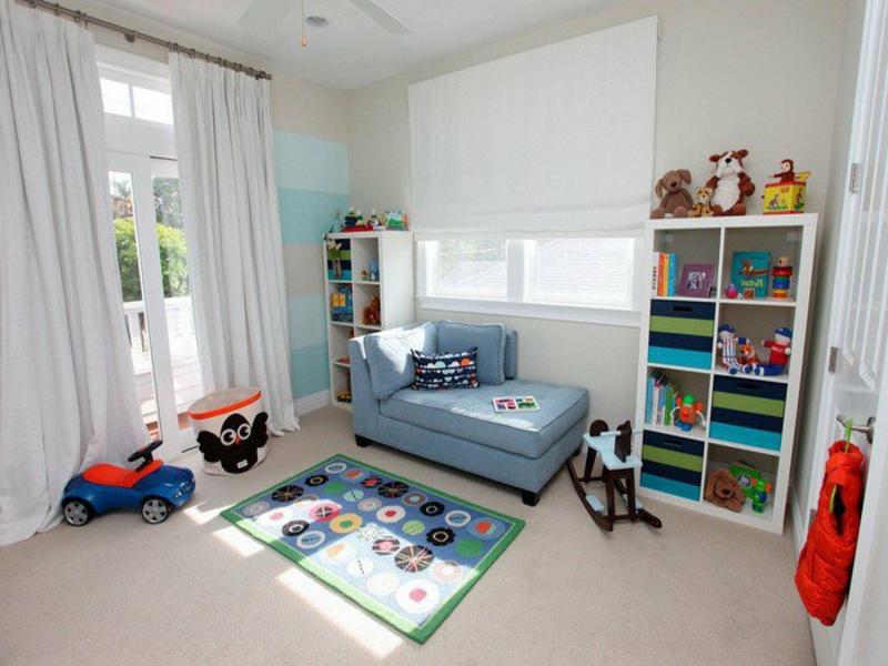weiße wände im jungenzimmer