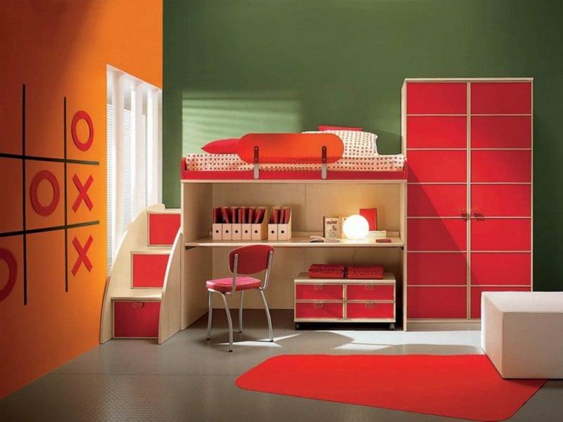 grelle rote farbe im kinderzimmer
