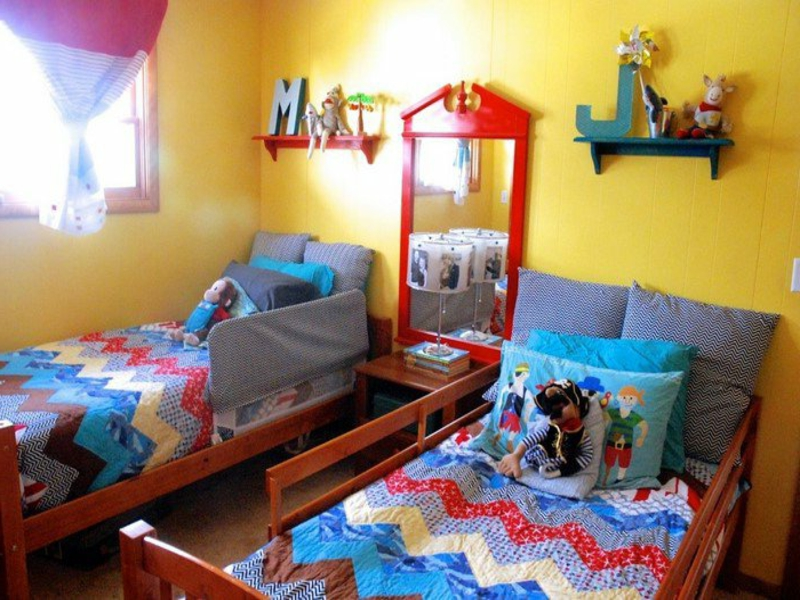 frische gelbe wände im kinderzimmer