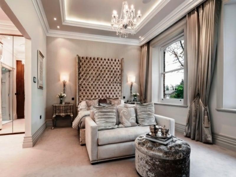 schnes bett mit kopfteil im luxus schlafzimmer - Schlafzimmer Luxus