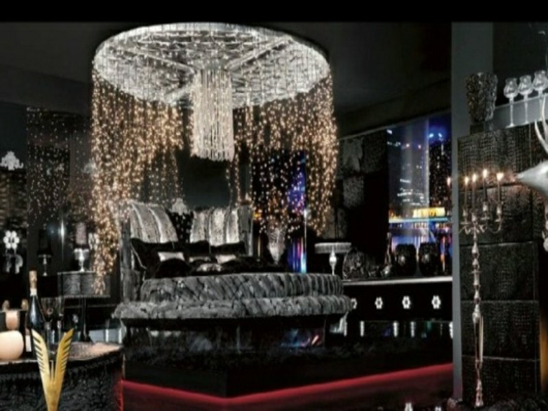 moderne kristalllape im luxus schlafzimmer