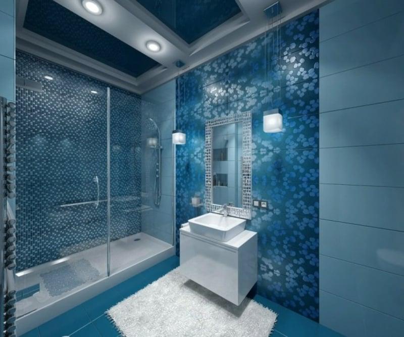 Badgestaltung blaue Mosaikfliesen