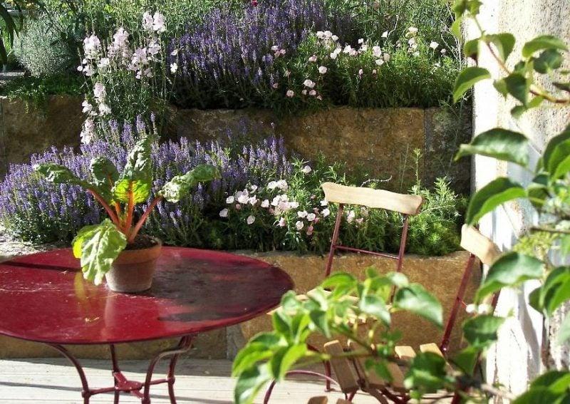 mediterrane Pflanzen Terrasse