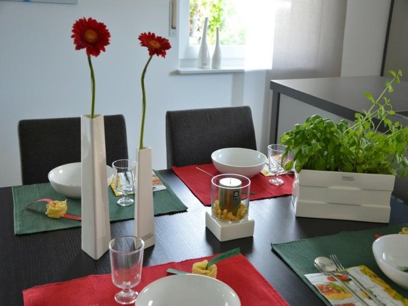 minimalistische tischdekorationne aus italien