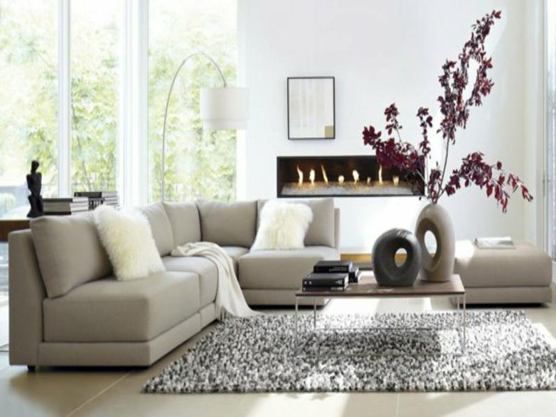 dickes wohnzimmerteppich und graue möbel