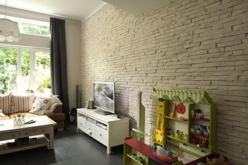 Wandverkleidung mit Verblendsteinen