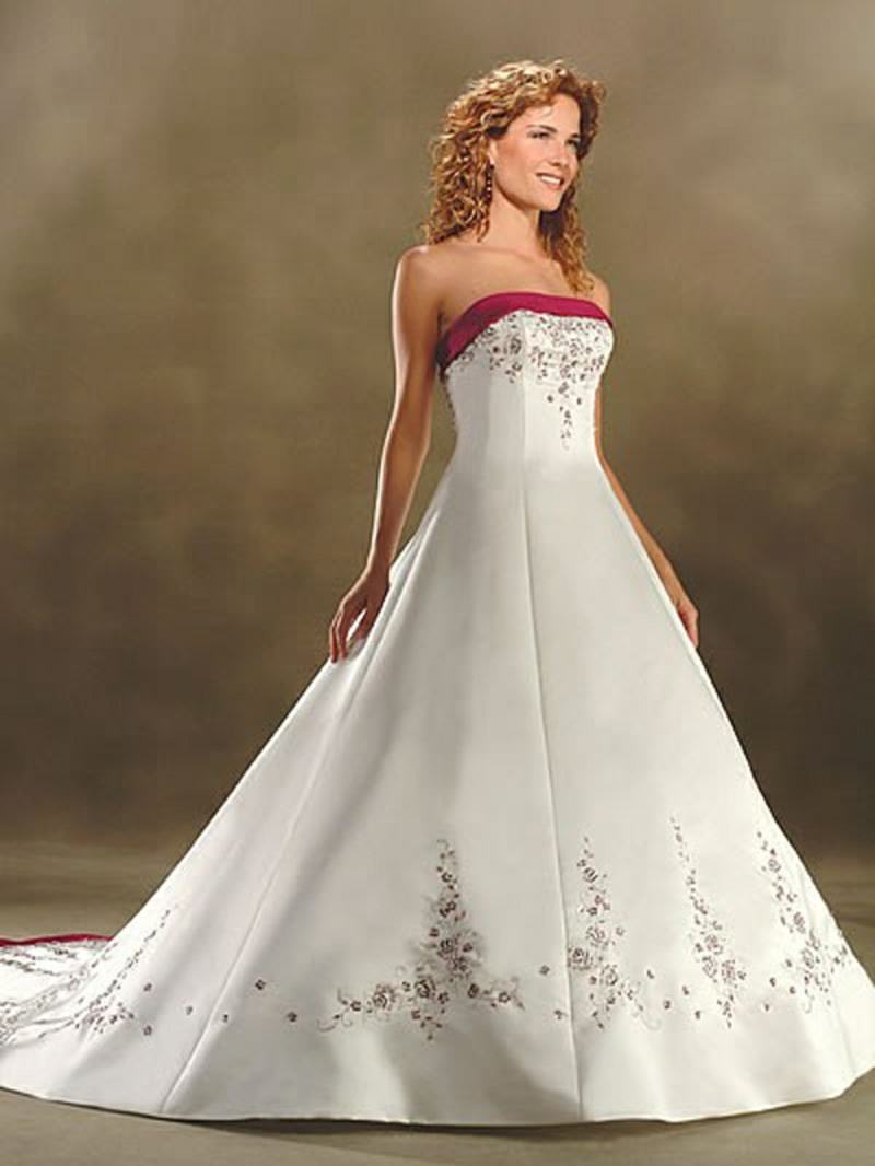 Brautkleid im Weiss und Rot